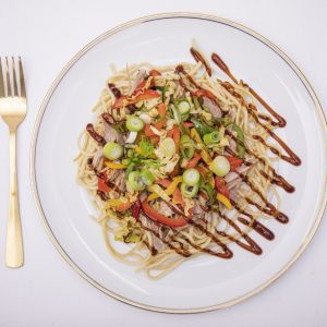 Duck with stir fried veg, noodles & Hoisin sauce 275g (Dairy free)